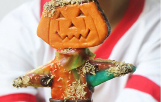 Brownie Pumpkin Scarecrow Pops thumbnail