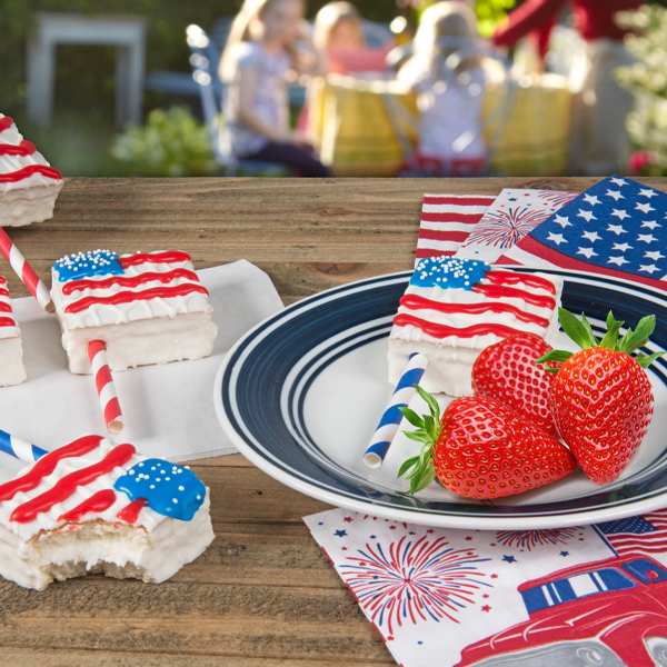 Red, White and Fancy Cakes: Celebrating Independence Day Sweetly! thumbnail